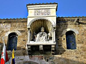 Statua di Bonifacio VIII