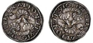Mezzo carlino di Alfonso II, due orientamenti del dritto