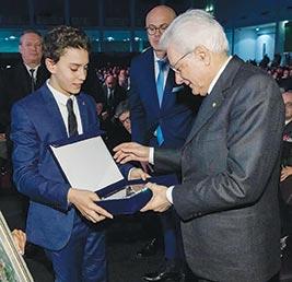 Consegna medaglia Padova 2020 Capitale europea del Volontariato.