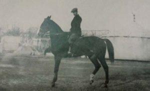 il conte Magnaguti a cavallo