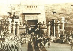La prima dell'Aida nell'Arena di Verona 1913 (da it.wikipwdia.org)