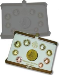 monetazione in euro versione fondo specchio con medaglia in oro o argento anno 2011