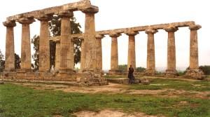 Il tempio di Hera nel parco archeologico di Metaponto.